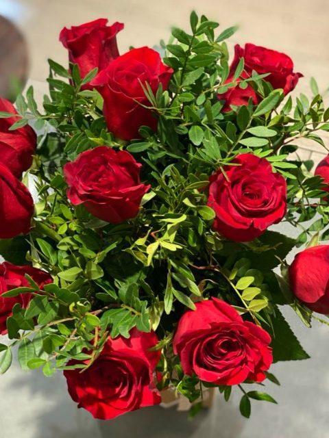 12 Rosas Rojas - Caja regalo especial San Valentín