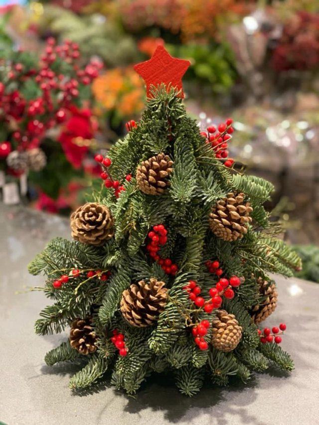 Árbol de Navidad decorado en rojo de Docrys Floral Concepts