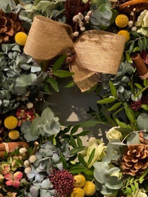 Detalle de Corona de Navidad Ottawa de Docrys Floral Concepts