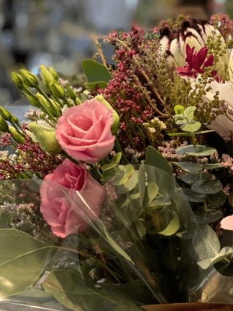 Detalle de la Cajuta de Flores con Peonías